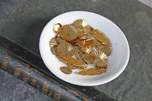Jbs_sequins_pot_of_gold_1024x1024